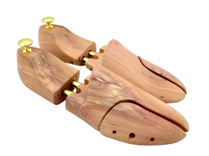 Sir Beecs cedar shoe tree